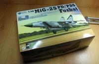 "MiG-25 PD/PDS ""Foxbat"" - KITTY HAWK"
