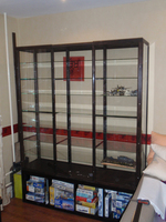 Герметичная витрина для хранения моделей.